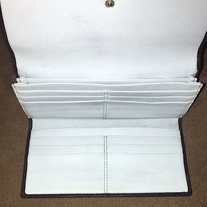 Coach Bags - Coach Vintage Leather Tri-Fold Wallet